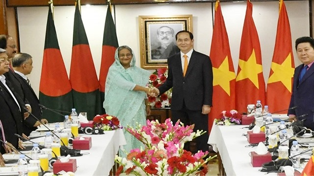 Dhaka, Hanoi ink 3 MoUs to promote bilateral ties